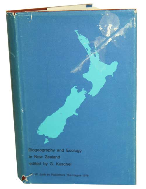 Biogeography and ecology in New Zealand. G. Kuschel.