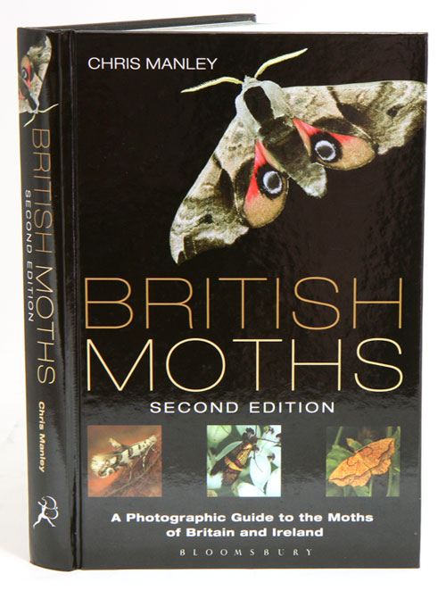 British moths: a photographic guide to the moths of Britain and Ireland. Chris Manley.