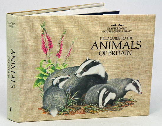 Field guide to the animals of Great Britain. Pat Morris.