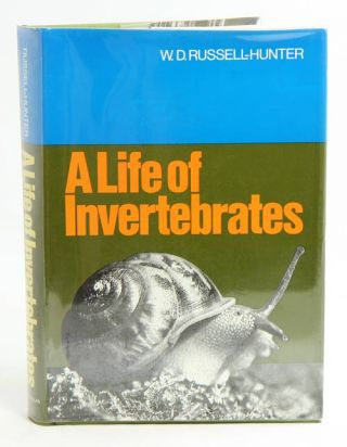 A life of invertebrates. W. D. Russell-Hunter.
