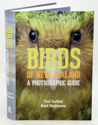 Birds of New Zealand: a photographic guide. Paul Scofield, Brent Stephenson.