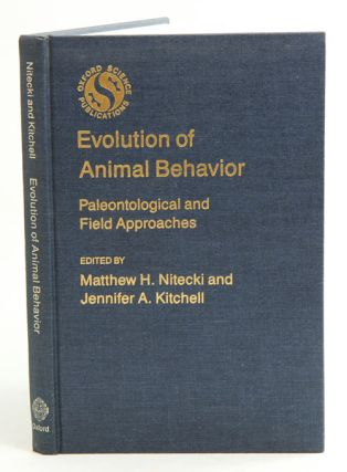 Evolution of animal behaviour: paleontological and field approaches
